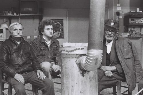 Σε καφενείο της Δάφνης, τη δεκαετία του '80 © Γιάννης Καστρίτσης