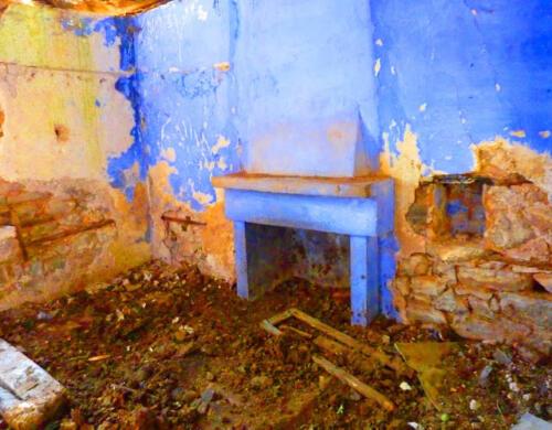 Εσωτερικό ερειπωμένης οικίας στον ιστορικό οικισμό Παλιάς Βίνιανης © Γρηγόρης Αντωνίου