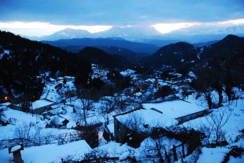 Χιονισμένο δειλινό στο Λημέρι © Ντίνος Αλέστας