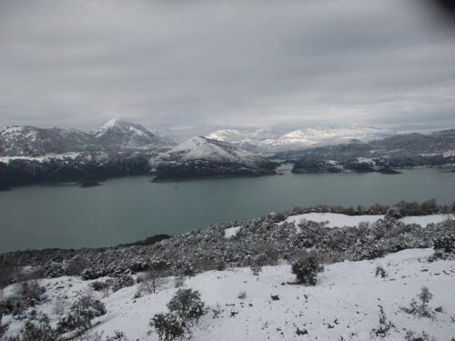 Χειμερινή λίμνη Κρεμαστών από Τριπόταμο © Δημήτρης Τουφεκούλας