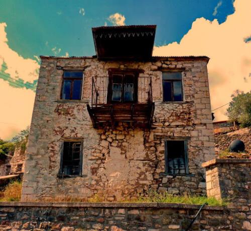 Ερειπωμένο σπίτι στην Παλιά Βίνιανη © Γρηγόρης Αντωνίου